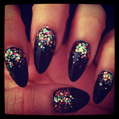 Stilleto Nail Ideas For Prom: NAIL IDEAS: Glitter Stiletto Nails